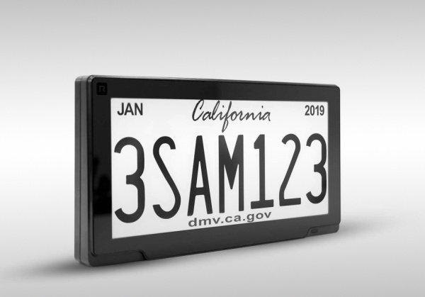 Калифорния стала первым штатом, где запустили тестирование цифровых автомобильных номеров»